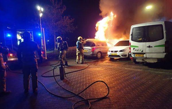 Dubbele autobrand op Jonker Bolpoort